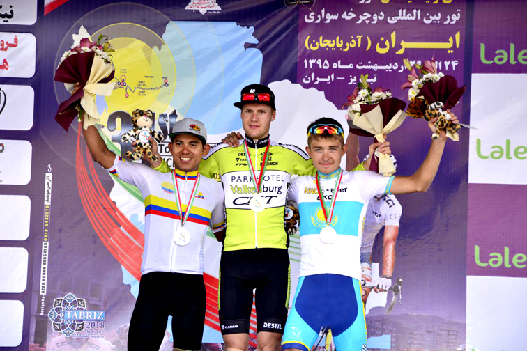 Il podio della terza tappa del Tour of Iran © Cycling Federation of Iran