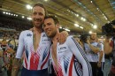 Mark Cavendish e Bradley Wiggins felici dopo l'oro nella madison al Mondiale 2016 © Andy Jones