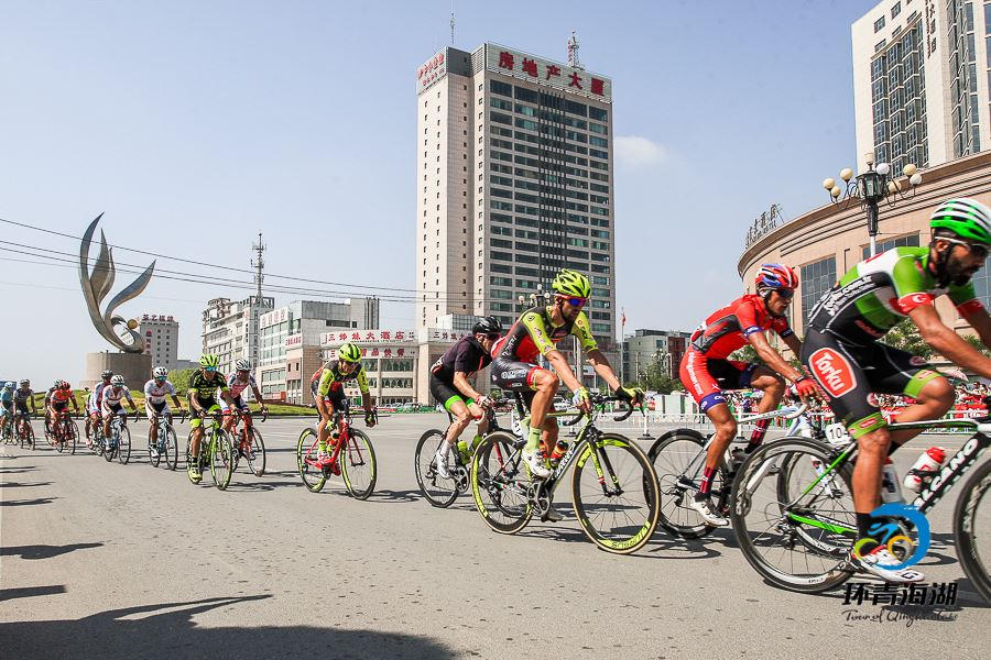 Samuele Conti in gara al Tour of Qinghai Lake © Tour of Qinghai Lake