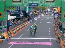 Esteban Chaves vince Il Lombardia © Twitter