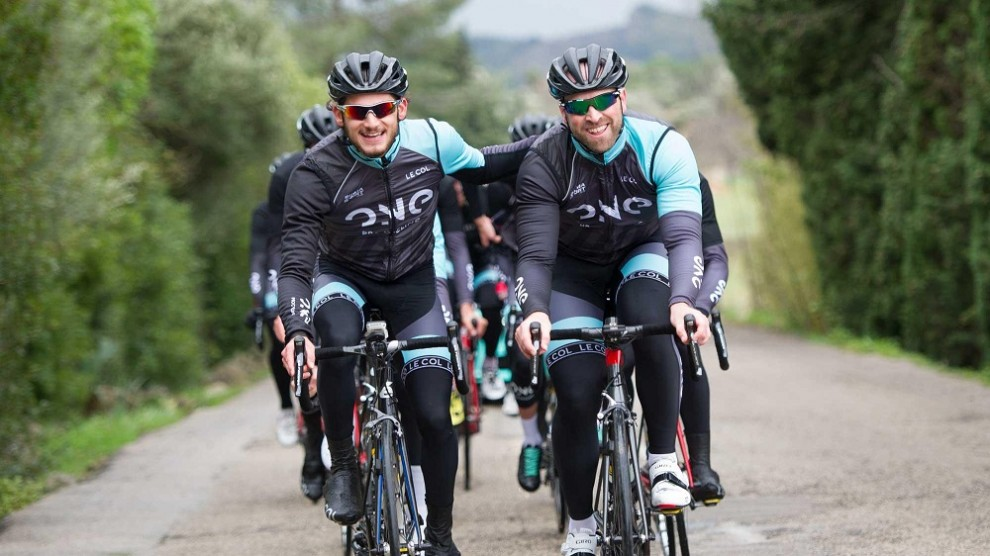 Matt Prior in allenamento con i corridori © Tour of Britain