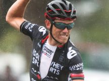 Timothy Roe esulta per il successo © New Zealand Cycle Classic