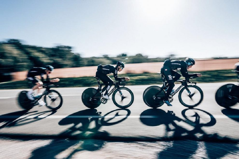 Il Team Sky impegnato in allenamento © Cycling Images