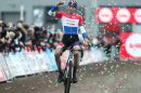 A Hoogstraten sesta vittoria di Mathieu Van der Poel in sette tappe di Superprestige © SuperprestigeCyclocross.be