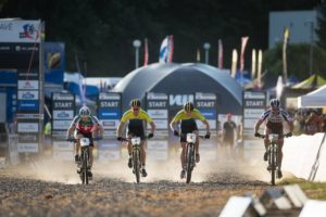 Una gara di Cross Country Eliminator © UCI