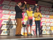 Hayley SImmonds in maglia gialla © Lotto Ladies Tour