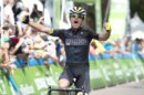 Robin Carpenter vince in maglia Holowesko © Rally Cycling