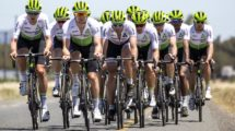 I corridori del Team Dimension Data durante il training camp © Scott Mitchell