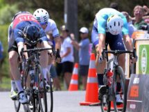 Il testa a testa nella terza tappa del New Zealand Cycle Classic © New Zealand Cycle Classic