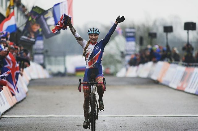 Assolo di Evie Richards a Valkenburg © Cyclephotos
