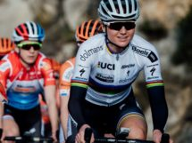 Chantal Blaak in maglia iridata © Boels-Dolmans