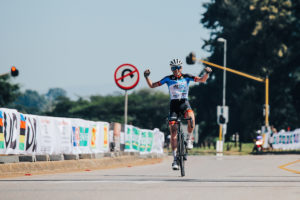 Andrew Edwards vince la seconda tappa del Tour de Limpopo © Hayds Brown