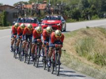 La Bahrain Merida impegnata in una cronometro a squadre © Bettiniphoto - Roberto Bettini
