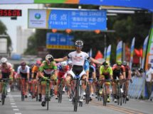 Georgios Bouglas vince al Tour of Qinghai Lake © Sonoko Tanaka