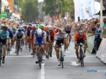 L'arrivo di Bonn con Hodeg e Ackermann vicinissimi © Cycling.photography