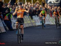 Annemarie Worst vince l'Europeo di cross sulle connazionali Marianne Vos e Denise Betsema © Anton Vos