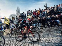 Jempy Drucker sul Muur © Chris Auld Photo