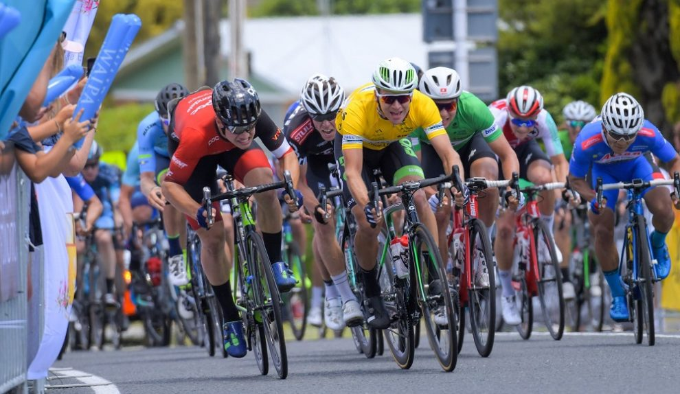 Jensen Plowright precede Aaron Gate © New Zealand Cycle Classic