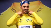 Julian Alaphilippe in maglia gialla © Twitter/Maillot jaune LCL