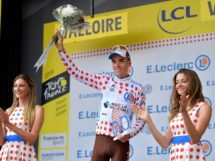 Romain Bardet sul podio al Tour de France © Getty Images