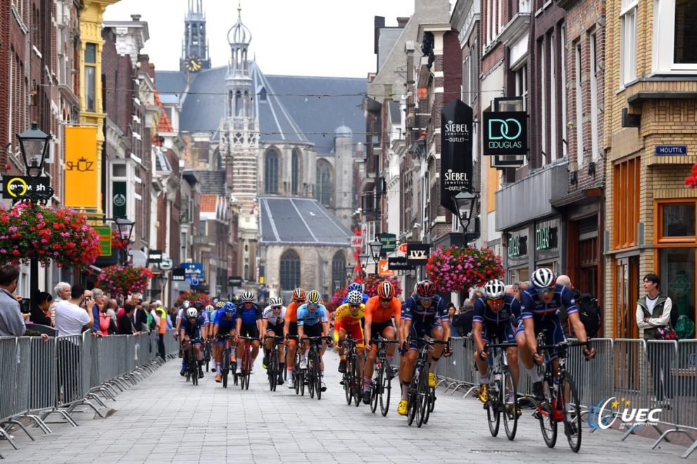 Un'immagine di corsa dell'Europeo di Alkmaar © UEC - Bettiniphoto