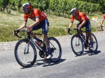 Damiano Caruso e Sonny Colbrelli in azione © Bettiniphoto - Luca Bettini