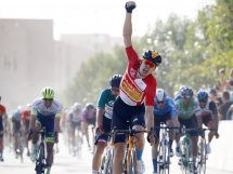 Phil Bauhaus supera Nacer Bouhanni al Saudi Tour © Bettiniphoto