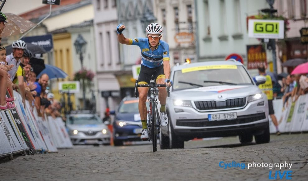 Strepitosa vittoria di Riccardo Zoidl © Cycling.photography Live